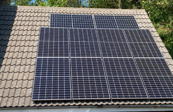 Zoom shot of roof solar panels shorewell isle of wight
